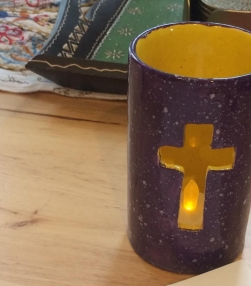 Cross Candle